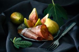Figs & Pršut / Editorial mediterranean food